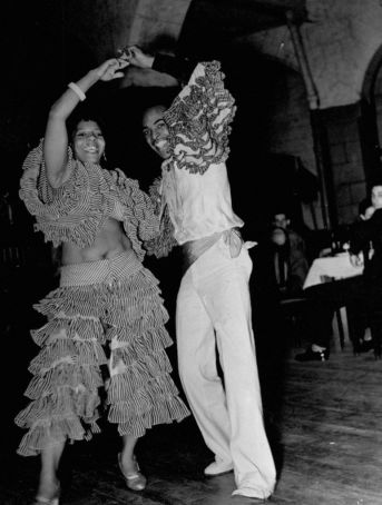 A-view-of-people-dancing-at-a-Cuban-club.-1937-772x1024