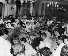 Guests-enjoying-a-buffet-supper-at-the-Havana-Yacht-Club.-1950